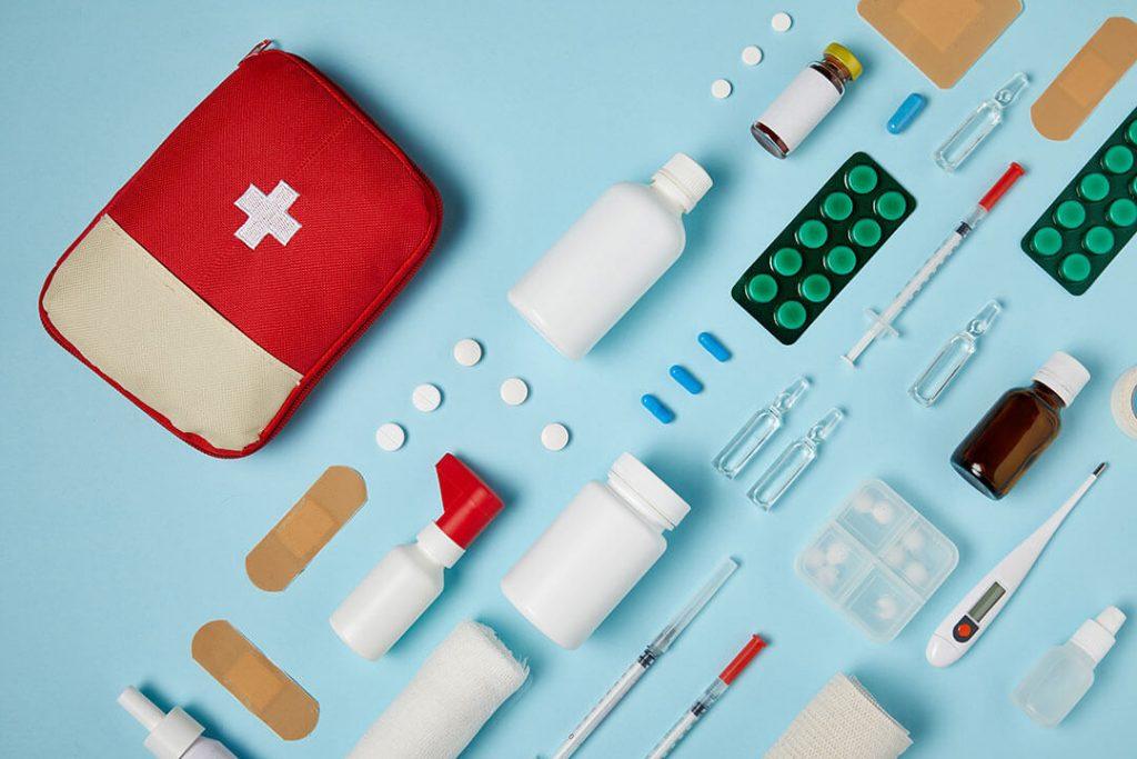 Kas turėtų būti namų vaistinėlėje: pagrindinės taisyklės
